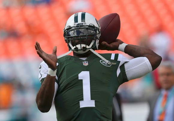 Pittsburgh Steelers Reportedly Set to Ink Free Agent QB Michael Vick
