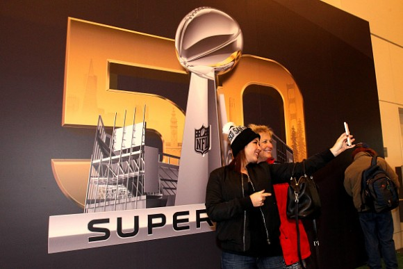 Super Bowl 50 Ticket Prices Fall as Game Grows Near