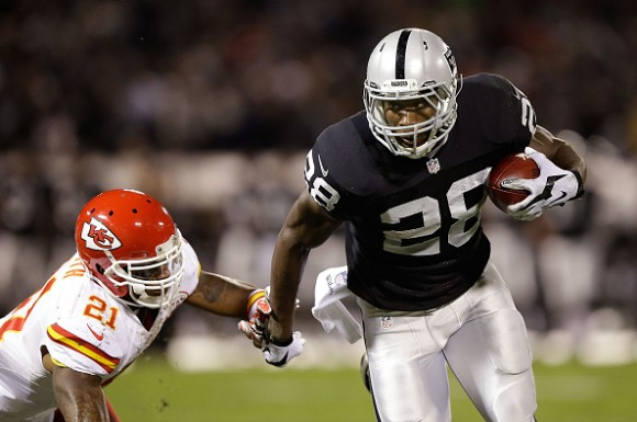Video: Watch 'The Rewind' w/ Raiders RB Latavius Murray; Going Back to His High School