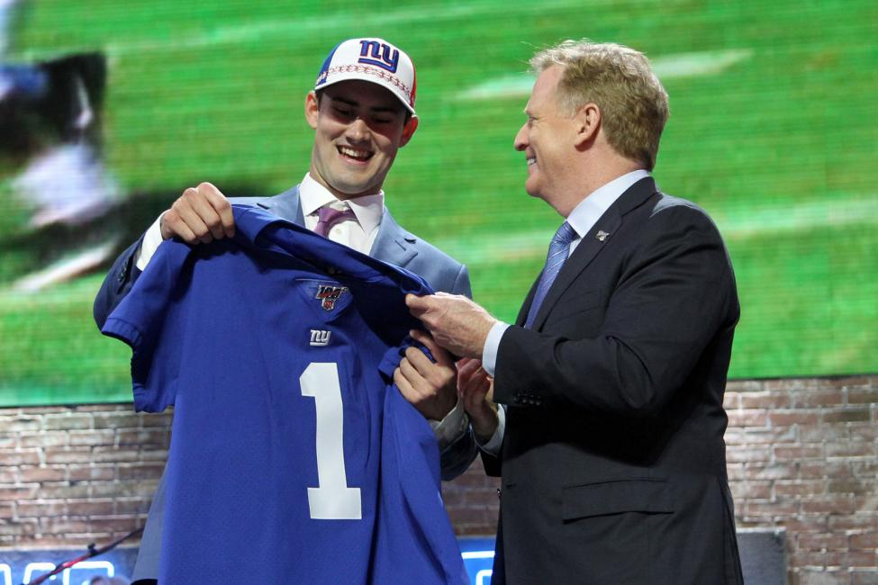 7eca2f3a When the New York Giants surprised the rest of the league with drafting  quarterback Daniel Jones in the first round of the 2019 NFL Draft, many  Giants fans ...